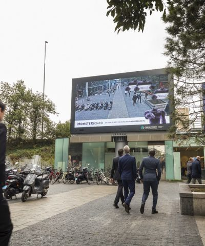 Vanaf deze week gaat Monsterboard op vier locaties in Nederland van start met een nieuwe interactieve campagne waarin voorbijgangers de hoofdrol spelen.